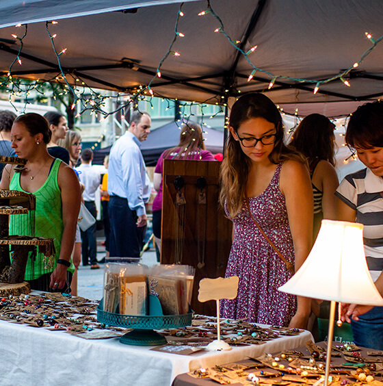 NEWaukee-Get-Involved-night-market-vendors