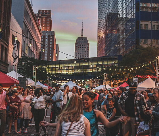 newaukee-what-we-do-night-market